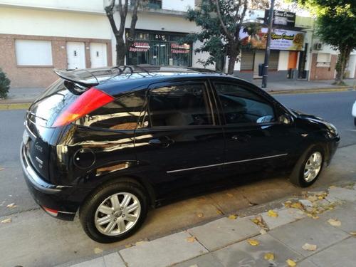 ford focus ghia 2.0 5 puertas sedan pocos km
