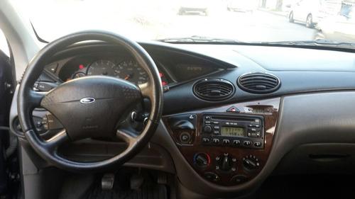 ford focus ghia 2.0
