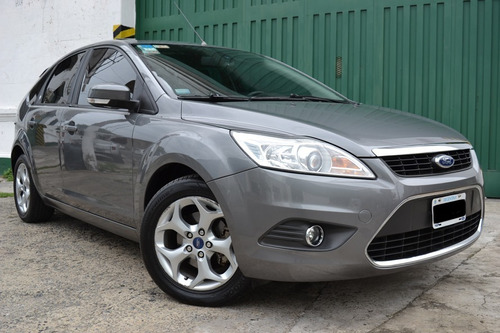 ford focus ghia 2011 / 98000 km / impecable