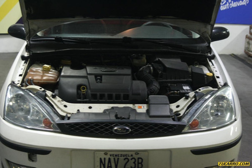 ford focus gls