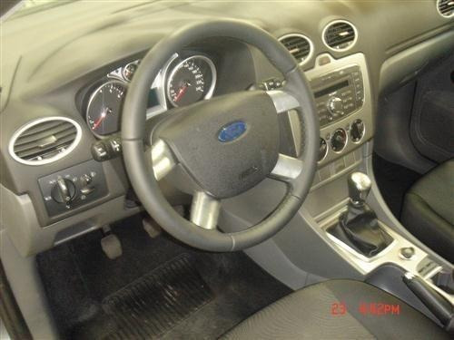 ford focus hatch 1.6 batido sucata para retirada de peças