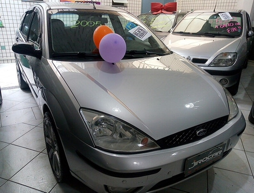 ford focus hatch 1.6 gls - completo