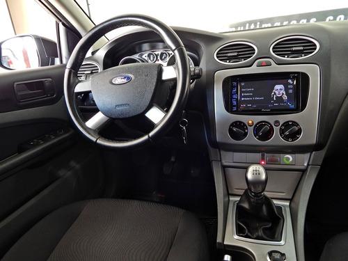 ford focus hatch 1.6 glx flex manual