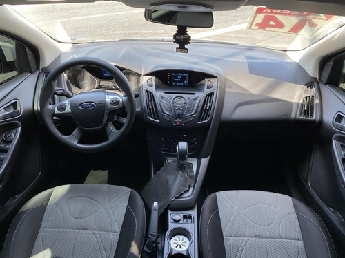 ford focus hatch  s 1.6 16v tivct powershift 2014