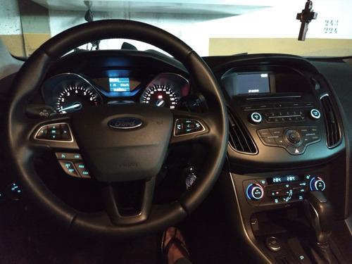 ford focus hatch se plus 2.0 2016 prata