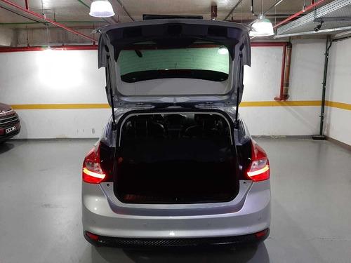 ford focus hatch titanium  2.0 flex automático 2015