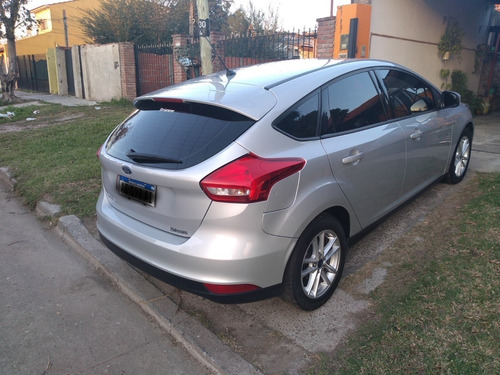 ford focus hatchback iii 1.6 s 2017