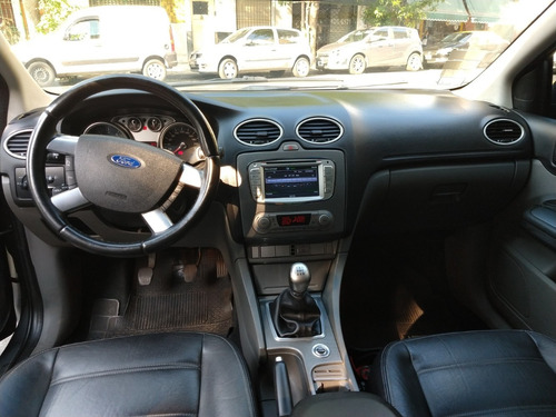 ford focus ii 2.0 ghia /bareinautos