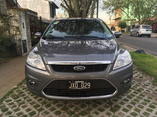 ford focus ii 2.0 ghia mt