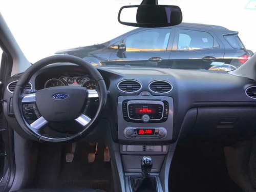 ford focus ii 2.0 ghia mt - liv motors