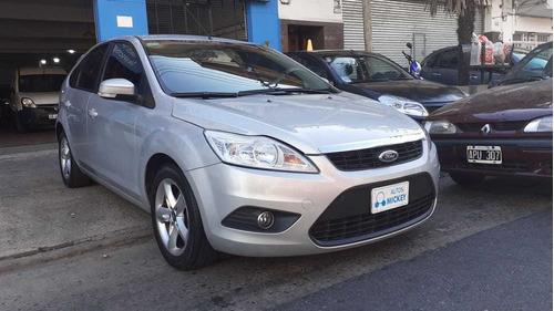 ford focus ii trend 1.6 nafta gris plata 5 puertas