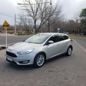 Ford Focus Iii 1.6 S 2017 Excelente Permuto