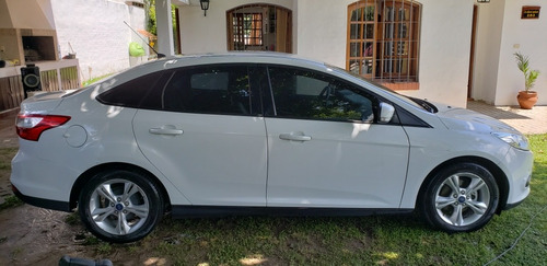 ford focus iii 1.6 sedan s 2014