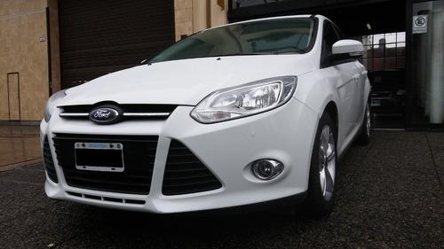 ford focus iii 2.0 2015-sedan se plus mt-1° mano-cuero techo
