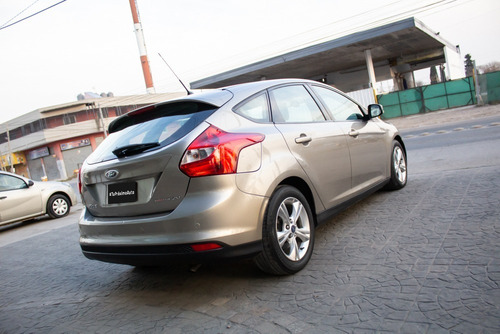 ford focus iii 2.0 se plus at6 automático nafta 2014 dorado