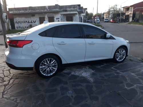 ford focus iii 2.0 sedan se plus at6 2015