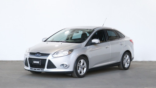 ford focus iii 2.0 sedan se plus at6 l/14 - 98011 - c