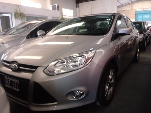 ford focus iii 2.0 sedan se plus mt (2013)