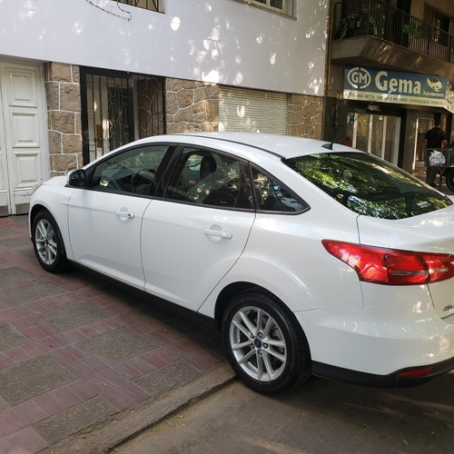 ford focus iii 2.0 sedan se plus mt 2016 impecable permuto