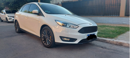 ford focus iii 2.0 sedan titanium mt 2016