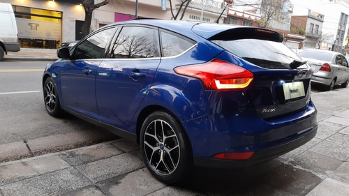 ford focus iii 2.0 titanium mt 5 puertas