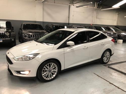 ford focus iii  se plus2.0 sedan  manual 2017