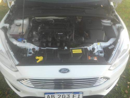 ford focus iii - sedan 1.6 - 2017