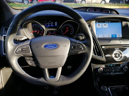 ford focus  rs 2018