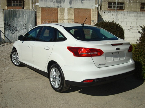 ford focus s 0km