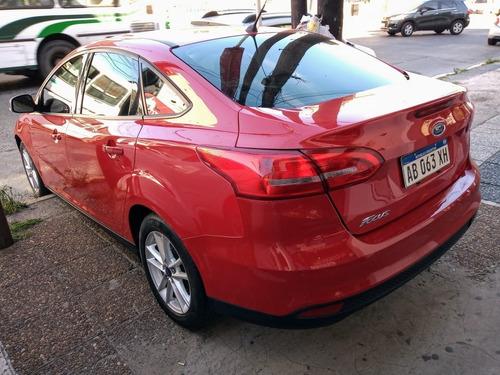 ford focus s 1.6 4 puertas