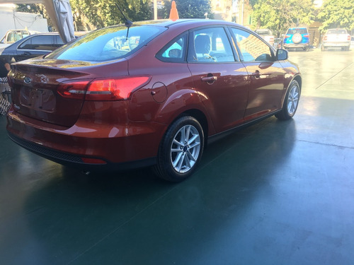 ford focus s 1.6 sedan