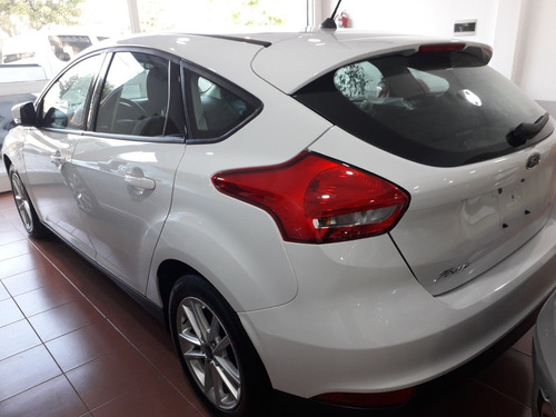 ford focus s 5 ptas