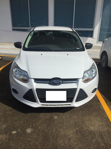 ford focus s at