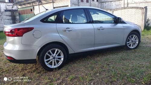 ford focus s sedan