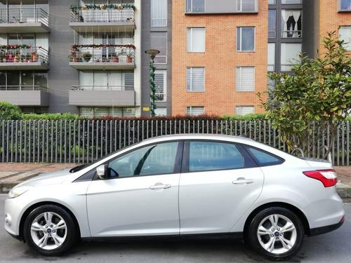 ford focus se 2000 cc a/t 2013