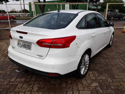 ford focus se at 2.0 h