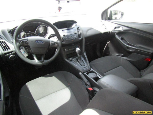 ford focus se at 2000