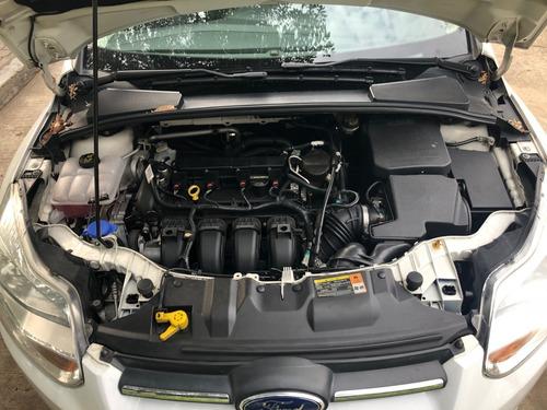 ford focus se at 2013 4 puertas