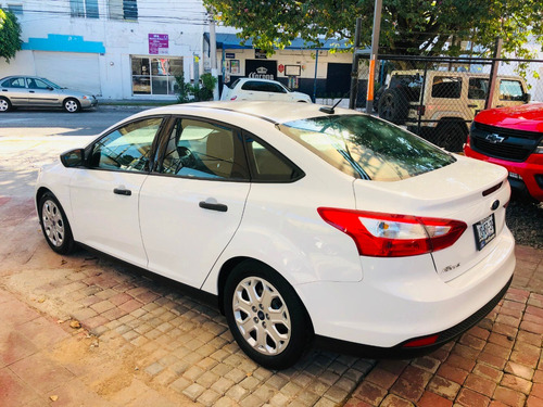 ford focus se estandar (factura original) 2012