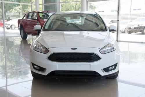 ford focus se plus 2.0 4p anticipo $394600 y 24/36/48 am4