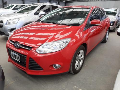 ford focus se plus 4 puertas 2.0 2014 rojo oxf