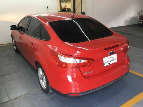 ford focus se plus 4 puertas 2014 rojo oiw