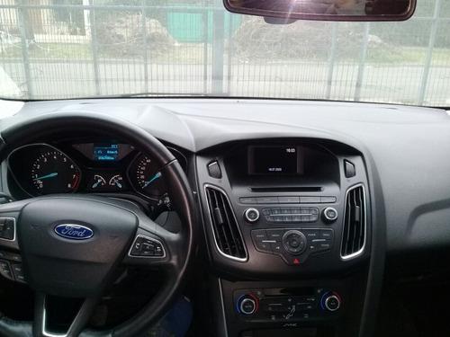 ford focus se plus 4 puertas