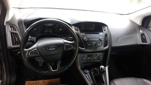 ford focus se plus 5 puertas 2016