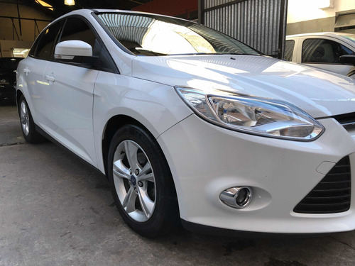 ford focus se plus at (octubre 2014)