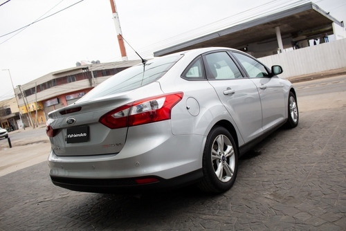 ford focus se plus nafta 2013 plateado