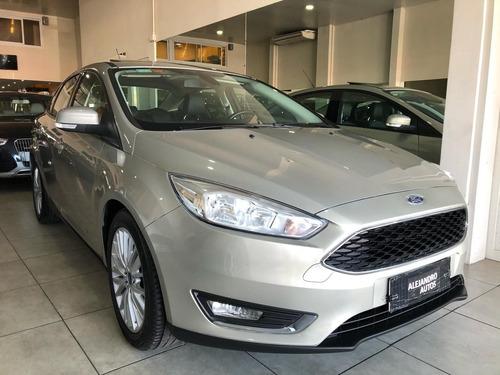 ford focus se plus sedan 2016