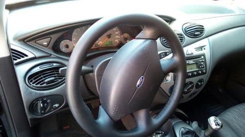ford focus sedan 1.6 glx 4p 2005 abaixo da tabela - troca