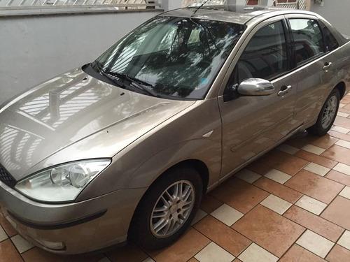 ford focus sedan 2.0 ghia 4p