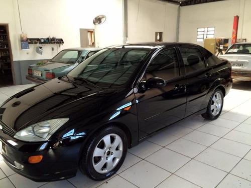ford focus sedan 2.0 ghia 4p baixou
